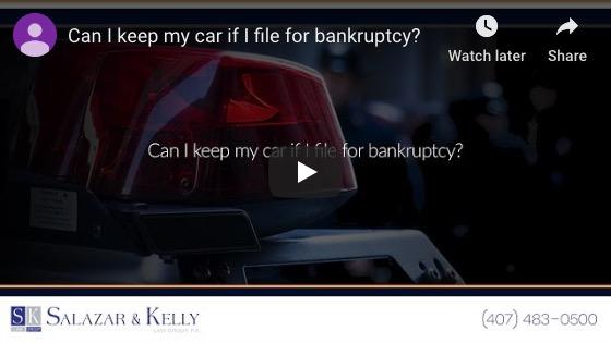 ¿Puedo conservar mi automóvil si me declaro en bancarrota?
